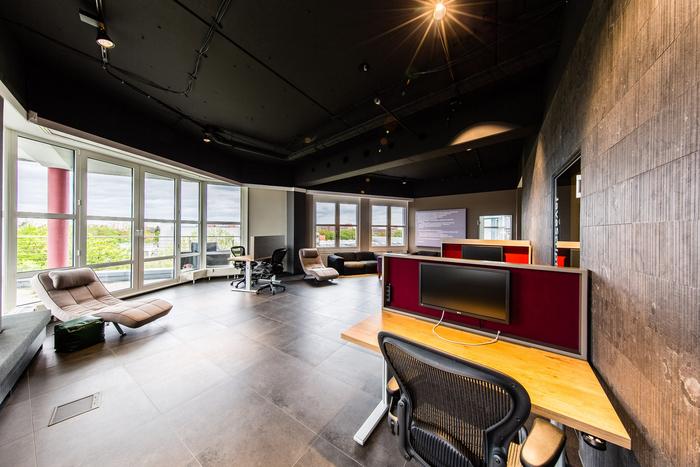 office1 (1)