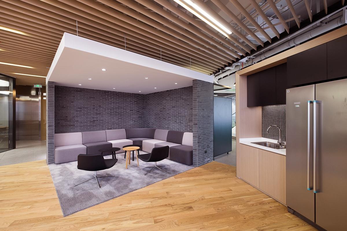 office8 (1)